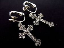 A PAIR OF SILVER  & CLEAR DIAMANTE/CRYSTAL CROSS CLIP ON EARRINGS. NEW.