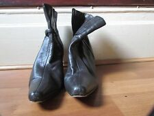 Lilley & Skinner Brown Leather Ankle Boots Size 6/39