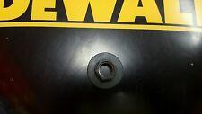 "DEWALT 636574-01 WASHER CLAMP FOR POLISHER 7"" NUT 5/8-11"