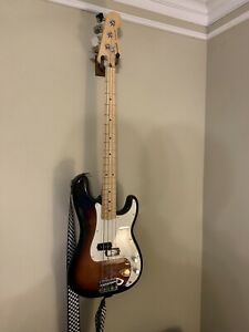 Fender Player Series Precision Bass 3-Tone Sunburst maple neck