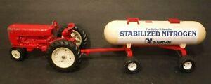 ERTL IH International Tractor & ERTL Stabilized Nitrogen Bulk Tank Wagon Combo
