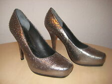 Juicy Couture Shoes Size 7.5 M Womens New Tessa Pewter Crackle Metallic Heels
