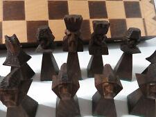 sehr außergewöhnliches Schachspiel Schachfiguren Holz handgearbeitet