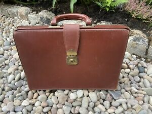 Old Briefcase School Bag Leather Bag Vintage