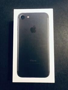 Apple iPHONE 7 32GB - Black - Excellent Condition!
