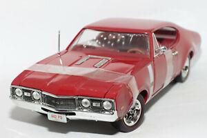 1:18 Oldsmobile Cutlass Supreme 442 (1967) | rot | ERTL | Modellauto PKW