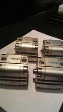 Festo ADVU - 32-10-P-A Cilindro Compacto 156531 sin usar stock excedente