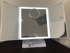 New listing New Perfizzio Led lighted Makeup Mirror - White
