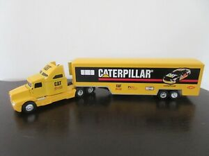 "ERTL Collectibles  Kenworth "" CATERPILLAR ""   1/64  MIB (D4)"