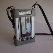 Radio cassette portatif SANYO SPORTSTER MADE IN JAPAN design XXe art déco PN