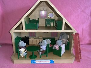 Sylvanian Families Original Vintage Country Cottage & Evergreen Bear Family