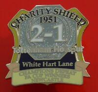 Danbury Pin Badge Tottenham Hotspur Football Club FC Charity Shield 1951 Spurs