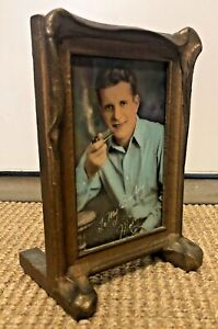"""Vintage Standing Pie Crust Bat Wing Picture Frame 5 1/2"""" x 7 3/4"""""""