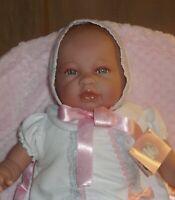 ausdrucksstarke Babypuppe, Sara von Berbesa, 45cm, Stoffkörper, neu