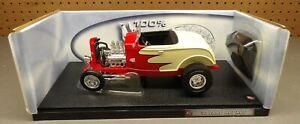 Hot Wheels 1932 Ford Hot Rod Roadster 1:18 Diecast Boxed Fenderless Hiboy