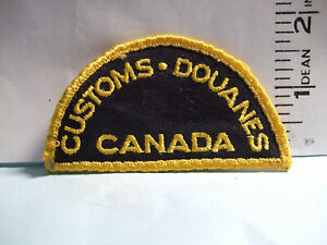 CANADA CUSTOMS PATCH   old style half moon shape