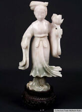 China siglo 20.. - a Chinese carved jade figure of a Lady-Giada cinese chinois