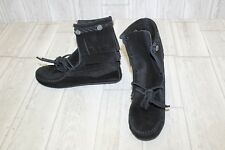 Minnetonka Double Fringe Ankle Boot - Women's Size 6 Black