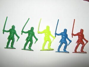 Marx recasts 5 holding stick pose figures in 4 colors made 1980's exc / cond