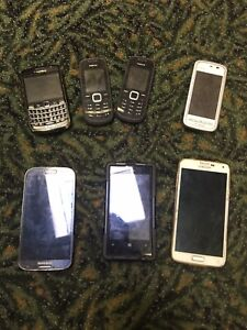 LOT OF 7 Old VINTAGE USED CELL PHONES FLIP PHONES REPAIR SCRAP GOLD