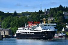PHOTO  THE CALEDONIAN MACBRAYNE FERRY ISLE OF MULL PULLS OUT OF OBAN WITH THE 09