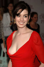 Anne Hathaway Unsigned 8x12 Photo (3)