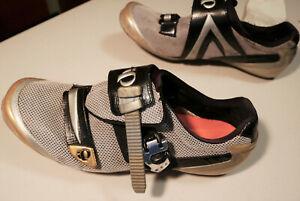 Pearl Izumi I-Beam SILVER Racing cycling shoes EU42 US9 Stiff, light and Fast!