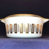 Pyrex Gourmet Casserole Gold on White Delphite Interior USA 1961 Promo 2.5 Quart