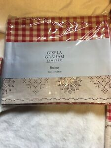 Gisela Graham Christmas Table Runner - Traditional Table Decoration Red - 714