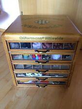 Gütermann's Nähseide Vintage Schrank mit 5 Schubladen und viel Zubehör Ansehen!