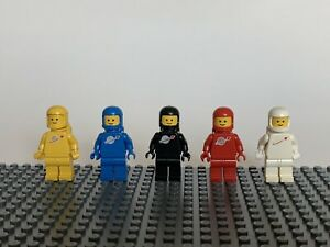 LEGO Vintage White Black Yellow Red Blue Spaceman Classic Space Minifigures Lot
