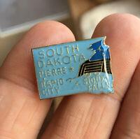 South Dakota enamel pin NOS vintage hat lapel bag Rushmore tourist souvenir