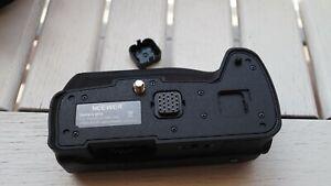 Neewer DMW-BGG1 battery grip for Panasonic Lumix G80/G81/G85. Mint condition.