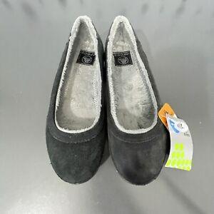 CROCS Berryessa -Women's 7W Black Gray Fleece Lined Flat Shoe