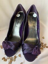 4 37 púrpura Tribunal Zapatos De Salón Zapatos de Taco Alto Punta Abierta Ancho FIT WEDDING Newlook Nuevo