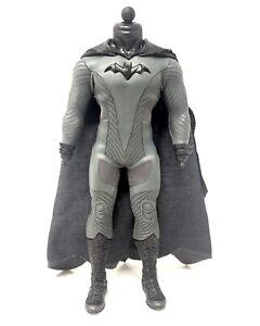 Mezco One:12 Batman Ascending Knight Body, Suit & Boots DC Comics Collective