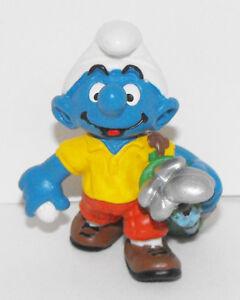 Golfer Smurf Holding Golf Clubs Figurine 20460 Plastic 2-inch Figure Golfing