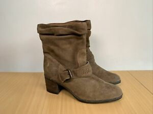 Clarks Women's Suede Heeled Boots Size UK 7