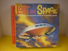 2000 POLAR LIGHTS LOST IN SPACE JUPITER 2 ROBINSON FAMILY UFO SPACESHIP