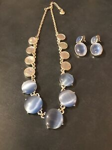Monet Women's Fashion Jewelry Set- Necklace & Earrings, Beautiful Blue! EC!