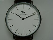 DANIELLE WELLINGTON CLASSIC MENS WATCH. BOXED IN EXCELLENT CONDITION.