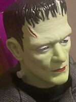 NEW. Univ Studios Monsters FRANKENSTEIN Hasbro Signature Series1998 BorisKarloff
