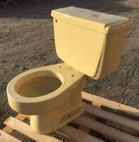 VINTAGE 1973 Harvest Gold American Standard Toilet -Complete- We Do Freight!