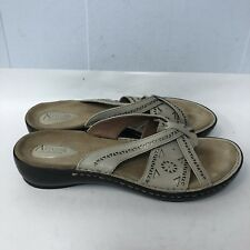 2e532d137ade Clarks Artisan Flip Flops Women Size 10M Leather Upper