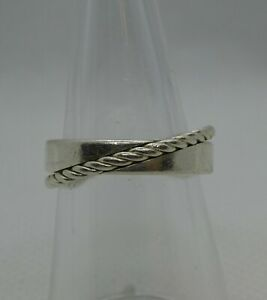 """""""Fossil"""" 925 Silver band with rope effect ring     M 1/2    6 1/2    5gms"""