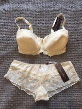Conjunto de ropa interior que empareja Pour Moi Colección Marfil 34 C