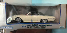 Welly 1:18 Diecast 1962 Ford Thunderbird Sports Roadster - White