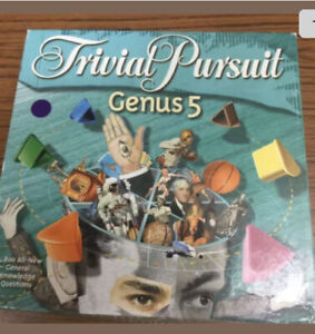 Trivial Pursuit Genus 5 Hasbro year 2000 - Family Quiz game. Fast Delivery.