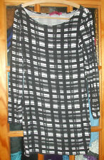 Nice Boohoo Ladies Black  & White Check Bodycon Dress - Used Good -UK 12