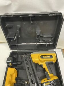 DeWalt DC618 18v Cordless Nail Gun 2x Dewalt 2Ah Batteries, Charger, Case